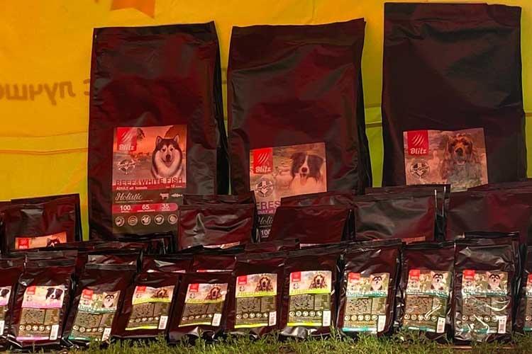 Blitz спонсор выставки собак сиба-ину